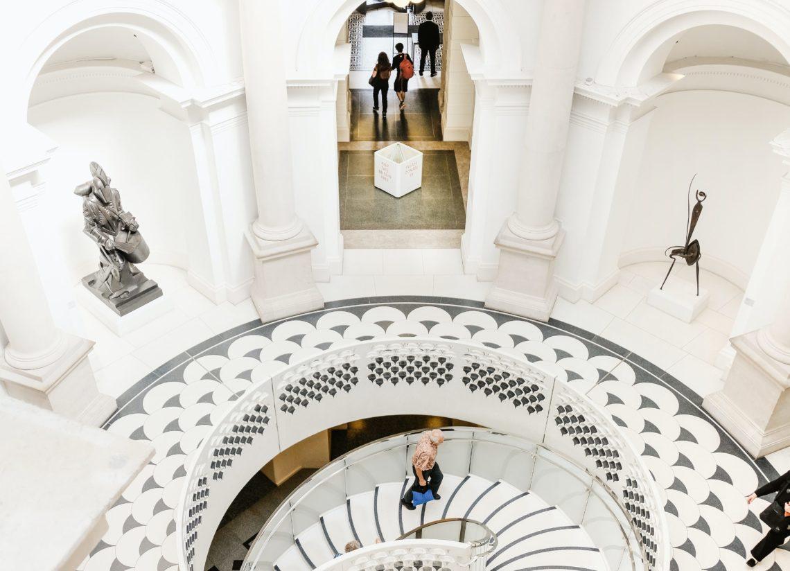 Man climbing the stairs at tate modern